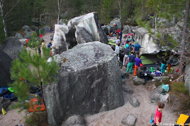 La foule à Pâques sur le site du 95.2, Forêt domaniale des Trois Pignons ouverte au public