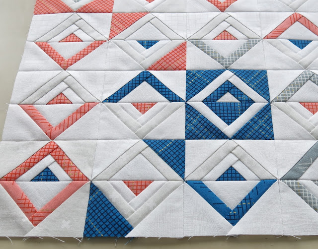 Luna Lovequilts - Paper pieced Log Cabin blocks - Top finished