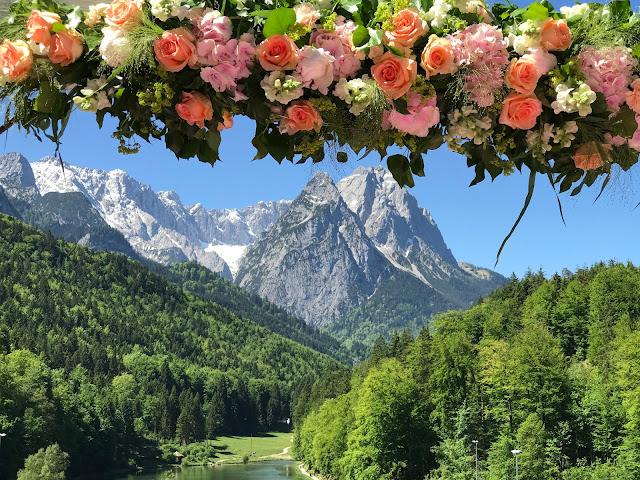 Berghochzeit am Riessersee in Garmisch-Partenkirchen, Bayern, Hochzeitshotel, Hochzeitsplanerin Uschi Glas, Apricot, Rosé, Marsalla, Pastelltöne