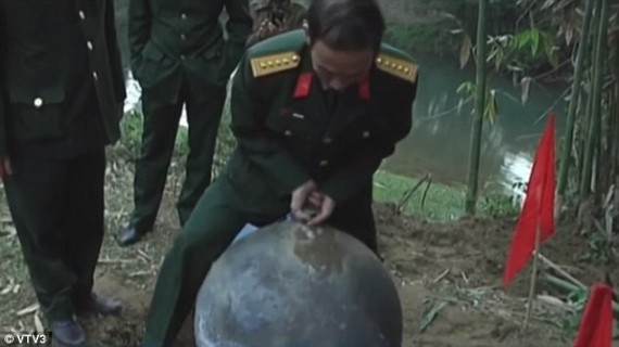 Bola Logam Misterius Yang Jatuh Di Vietnam Masih Dalam Penyelidikan