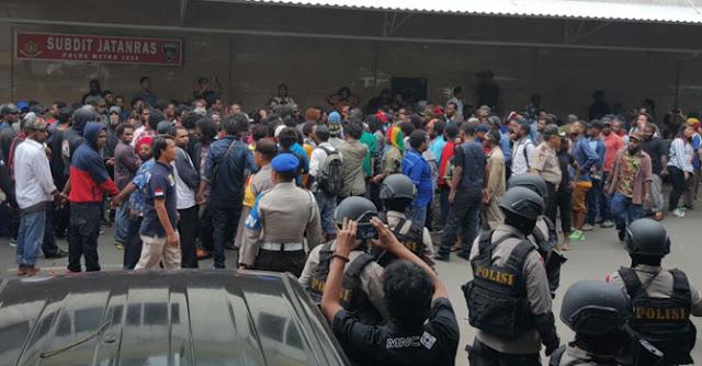 Demo di Bundaran HI, Polda Metro Gelandang Puluhan Warga Papua