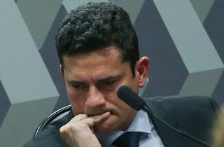 Resultado de imagem para IMAGEM DE SERGIO MORO PREOCUPADO