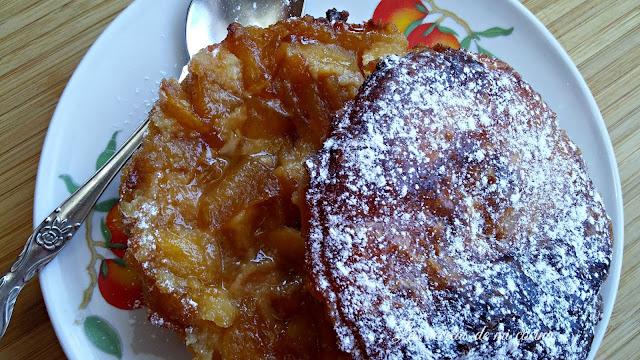 tartaletas de crema de almendra con manzana caramelizada