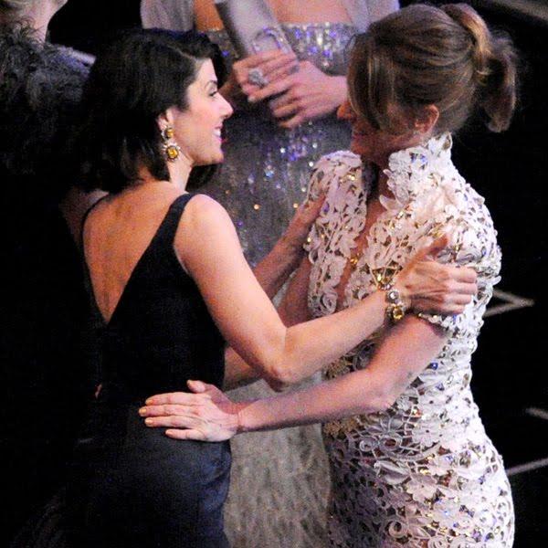 Anne Hathaway Lesbian Kiss