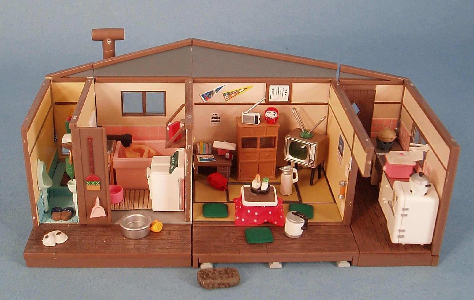 My vintage dollhouses more little houses for Young house love dollhouse
