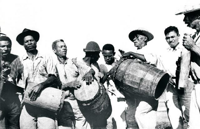 Congo de Manguinhos, anos 1950. Foto Guilherme Santos Neves.