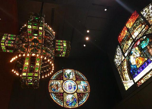 Lampu Unik Karya Seniman Louis Comfort Tiffany