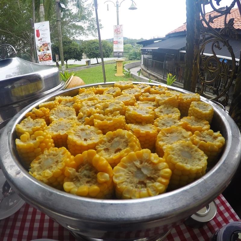 Lake Cempaka Villa, Buka Puasa Di Bangi, buka puasa murah, masakan melayu asli, Rawlins Eats, BBQ, Bufet Ramadan Murah,