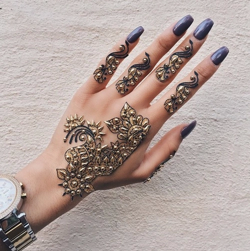 Awesome Gold Tattoos on Finger