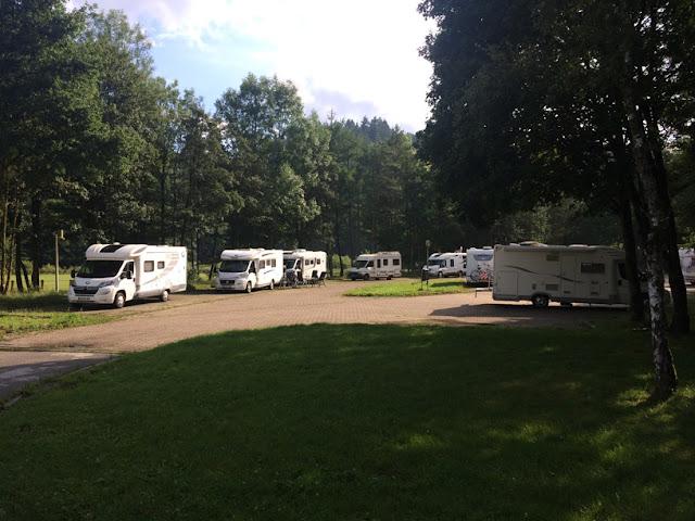Área de autocaravanas de Bouillon. caravaneros.com