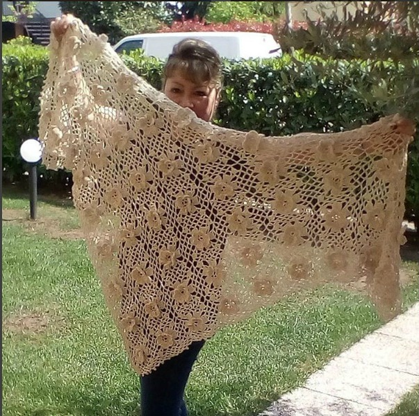 Knitting Pattern For Whisper Scarf : LiliaCraftParty: Floral Whisper Crochet Scarf - the perfect Scarf for Summer!
