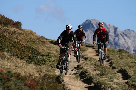 Mountainbiken für Absolventen auf Jobsuche