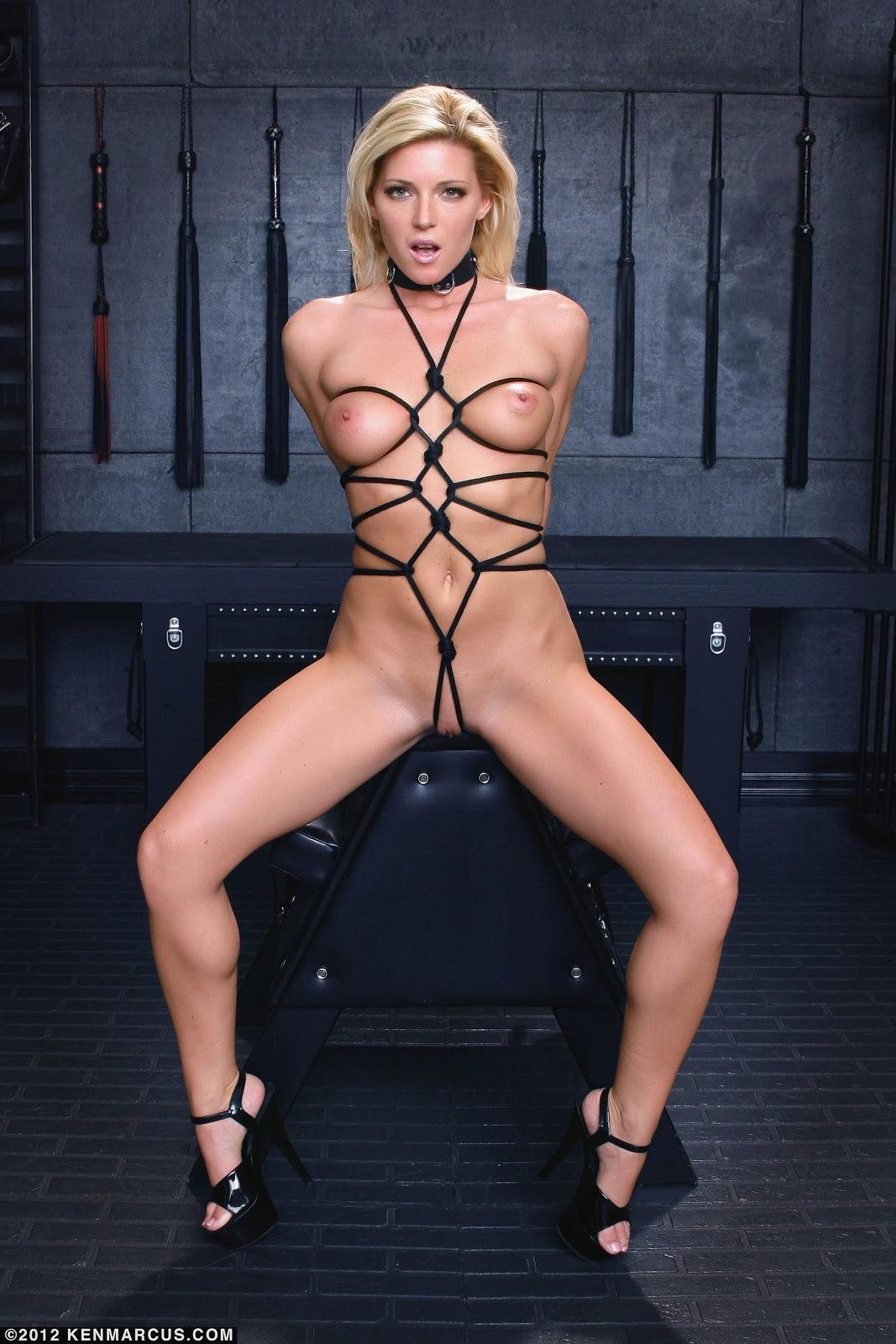 Niki Lee