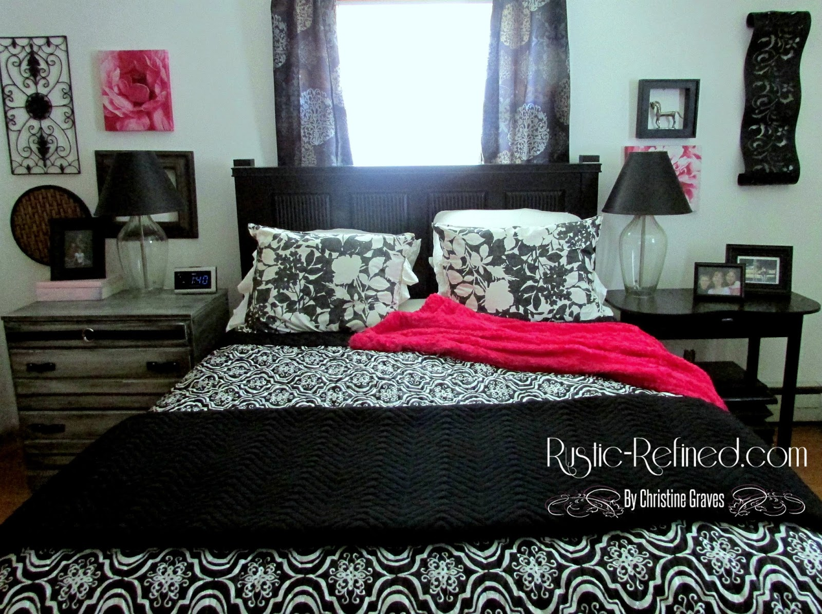 Decorating With Black Amp White Colors In A Bedroom Rustic