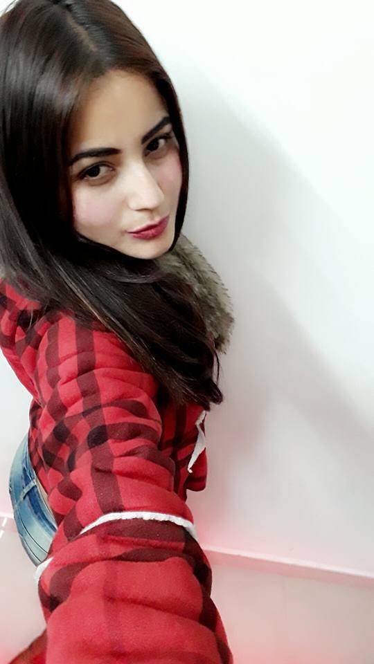 Shehnaz Kaur sexy still