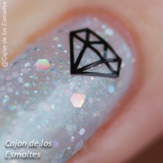 Uñas con diamantes