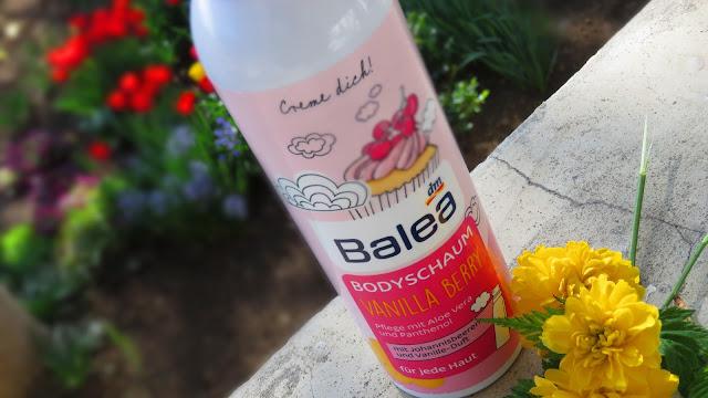 BALEA_telova_pena_vanilla_berry
