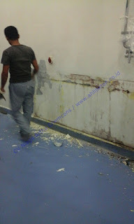 Metode pengupasan permukaan seperti menggunakan alat grit-blasting, waterjett, blastrac ataupun diamondize scrubber