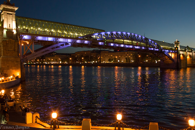 Пешеходный мост в Парке Горького