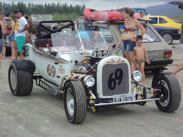 Show com Elvis Presley Cover e o Old Tour on the Beach- Passeio de carros antigos para praia promoverão uma volta ao tempo na Ilha Comprida