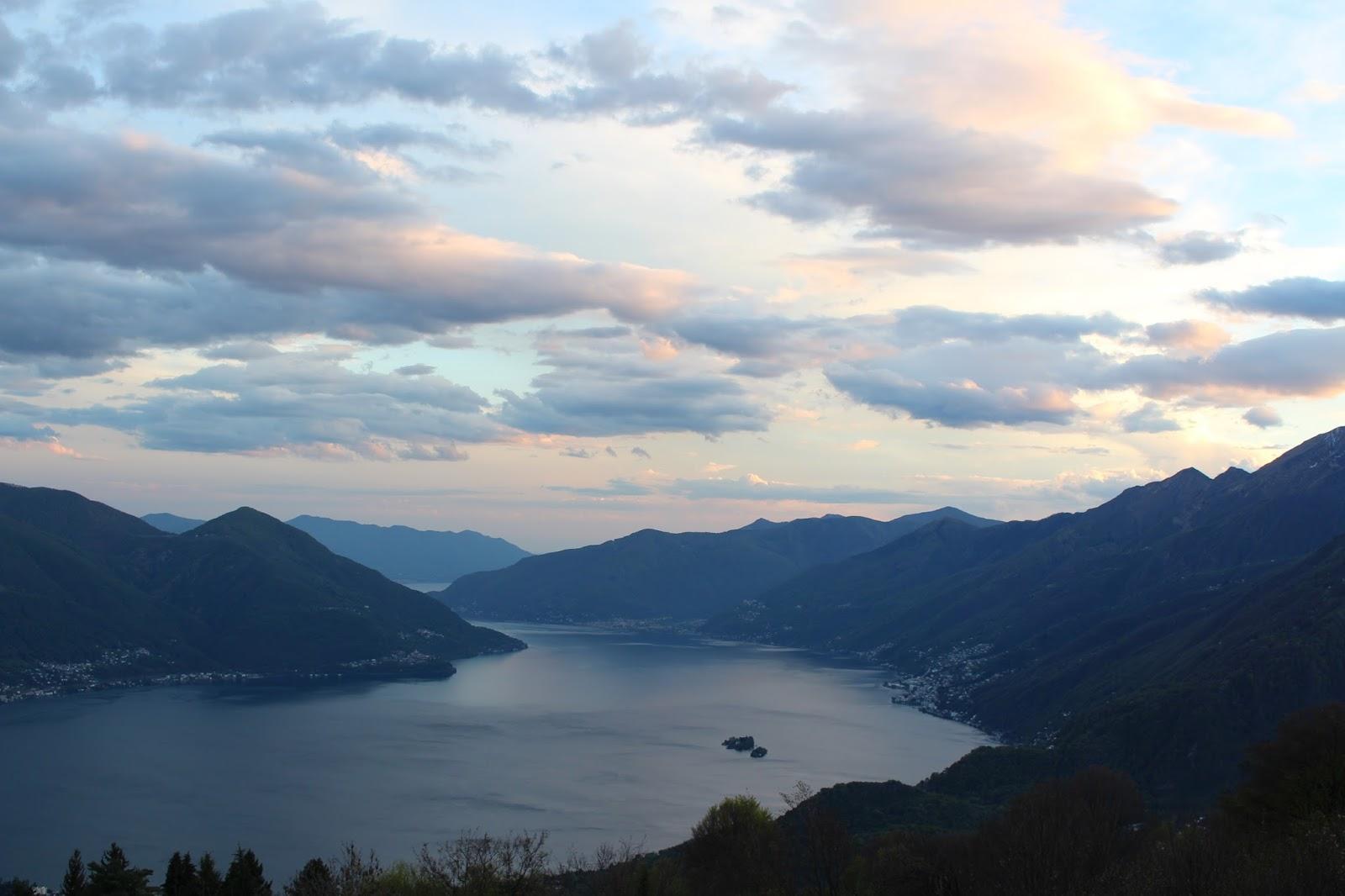Ausblick vom Monte Brè - Via Miranda - auf den Lago Maggiore, Tessin