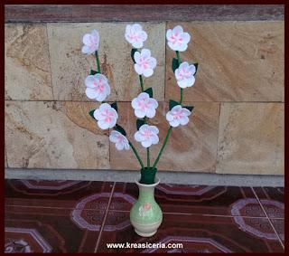 Cara Membuat Bunga Sakura yang Indah dari Kain Flanel