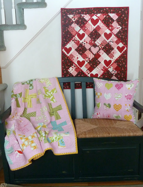 alidiza:Pretty in Pink Nicey Jane hearts pillow