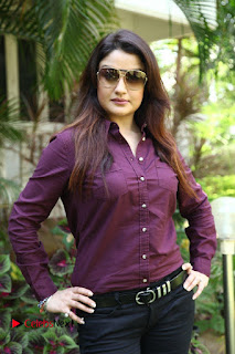 Vincent Asokan Sonia Agarwal Akhil Saran Nayana Starring Yevanavan Movie Stills  0016.jpg