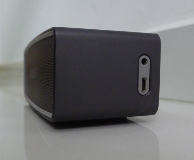 Bose SoundLink Mini II - ports