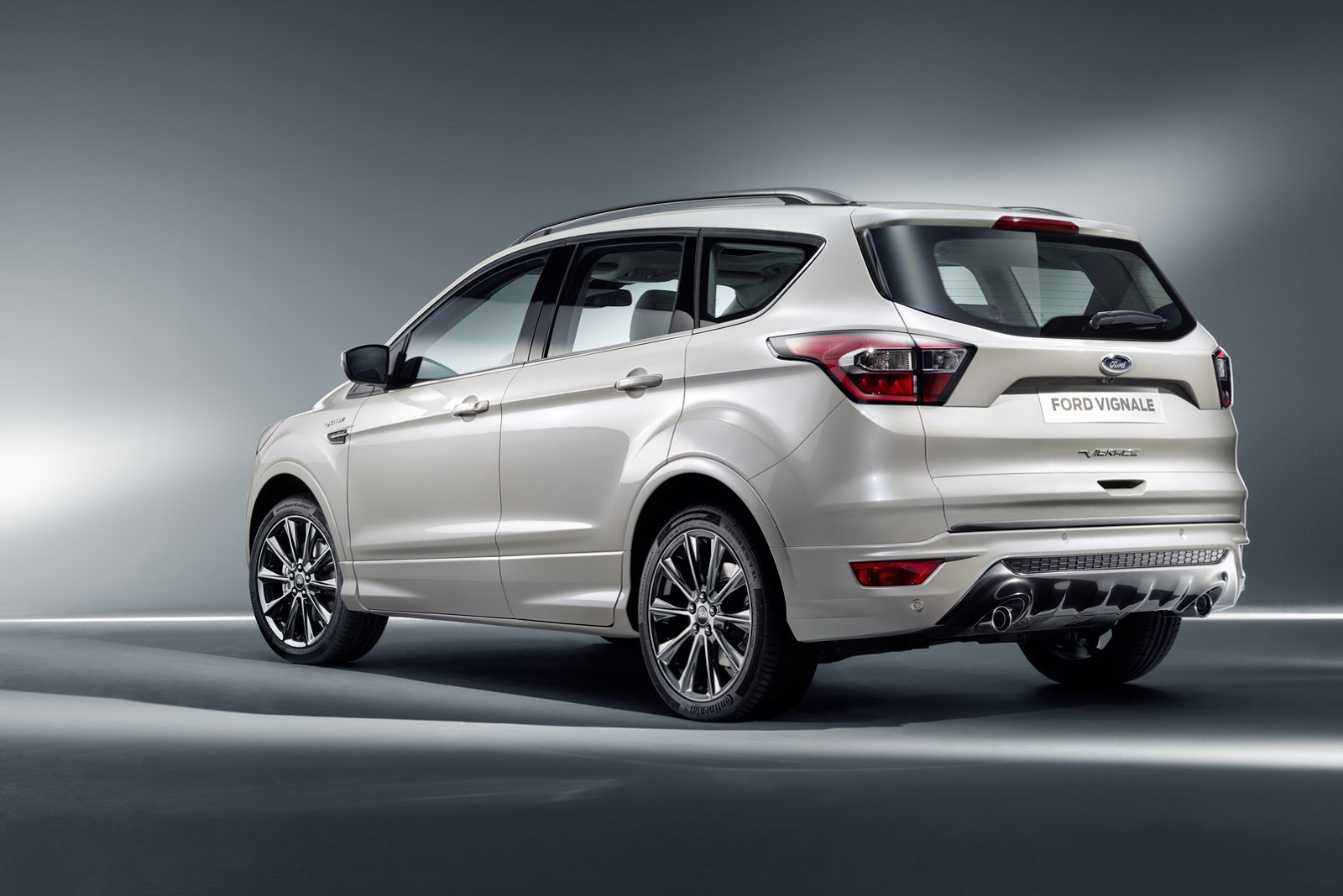 ford luxes up edge kuga mondeo s max with vignale. Black Bedroom Furniture Sets. Home Design Ideas
