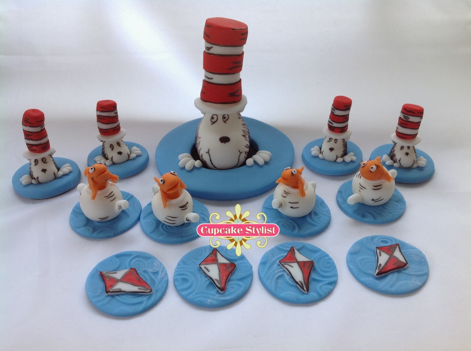 dr seuss wedding cake toppers cupcake stylist cupcake stylist fondant topper of the 13753
