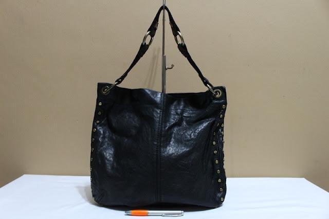 Jual tas tas second bekas branded original murah dari Singapore Original  Authentic dengan harga yang kompetitif f481141ce3