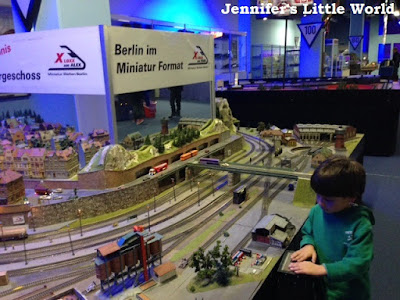 LOXX Miniatue Welten Berlin indoor miniature railway