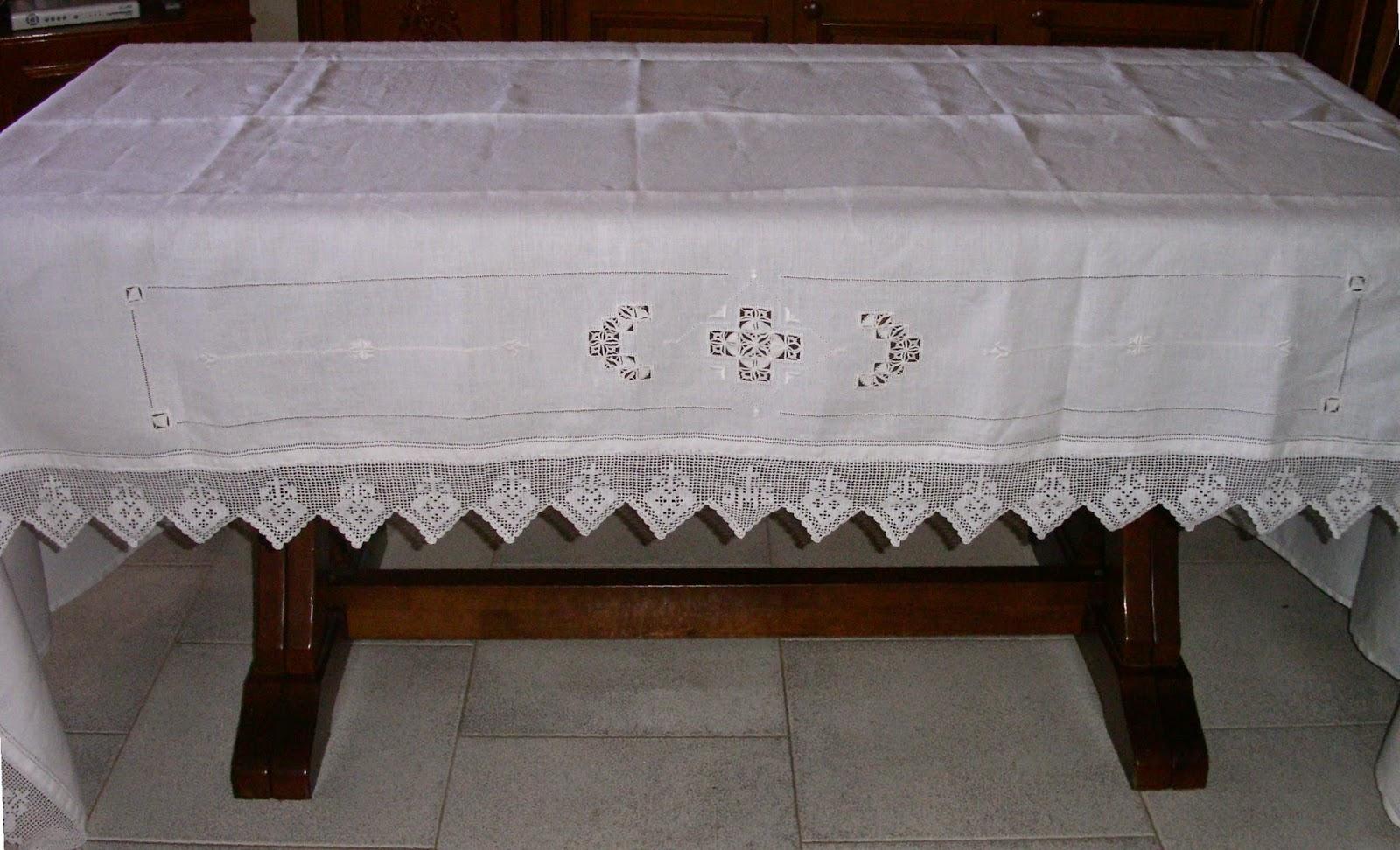 Ricamo e altro la tovaglia d 39 altare for Tovaglie all uncinetto