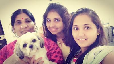 Kajal Raghwani Beautiful Pics with her sister and mother.