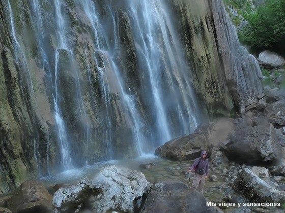Parque Natural Collados de Asón, cascada del río Asón o cailagua, Cantabria