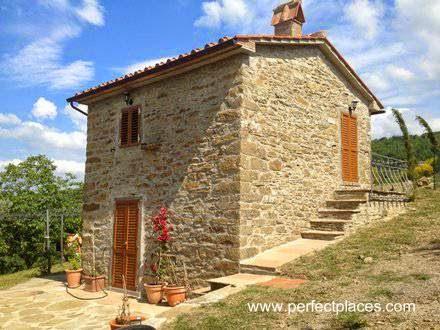 Casa de piedra en La Toscana, Italia