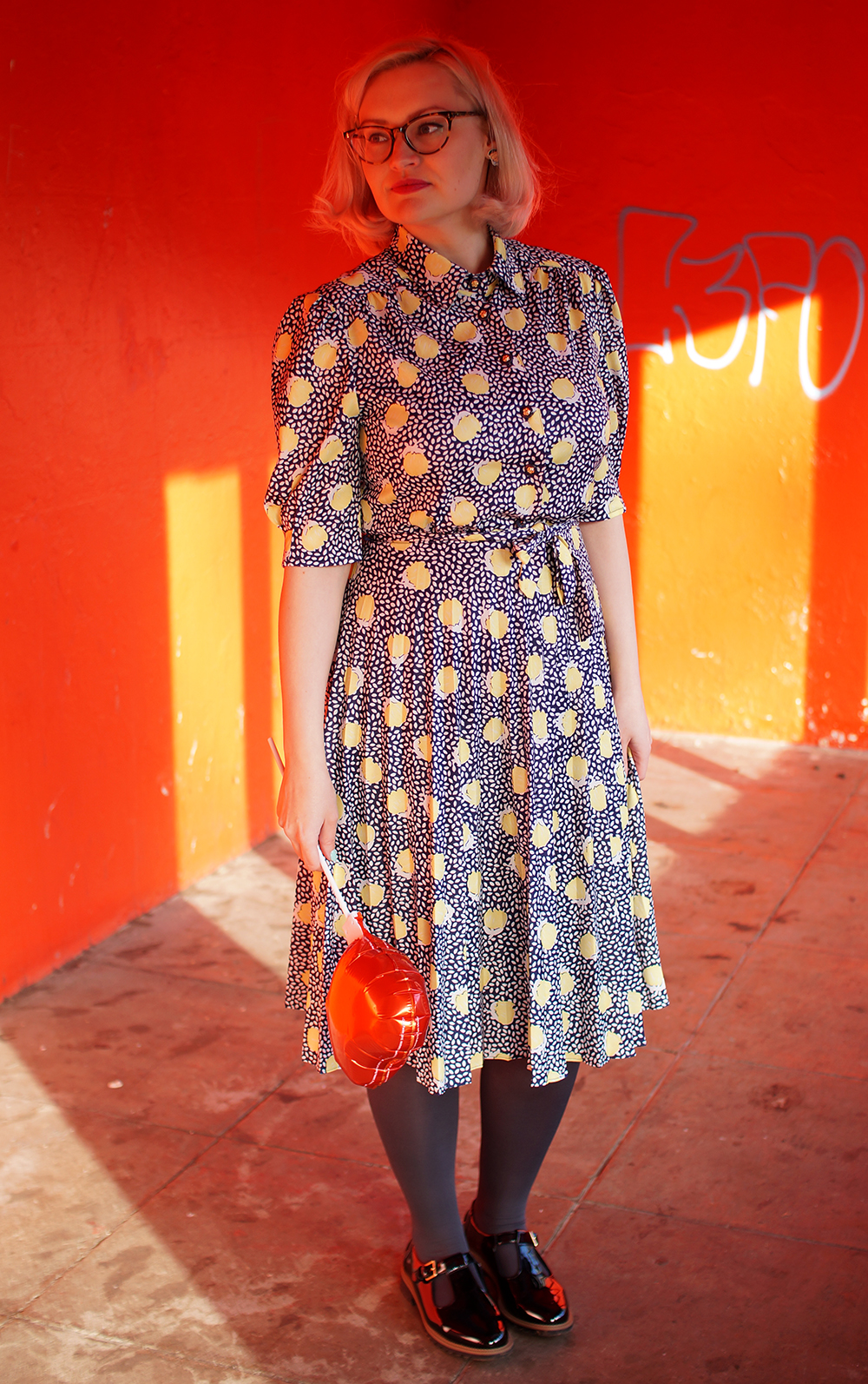Vintage Kilo Sale, modern vintage style, blogger tips, comparison, envy in blogging, IOLLA glasses, Edinburgh Princes Street gardens, lemon print dress, Picasso earrings