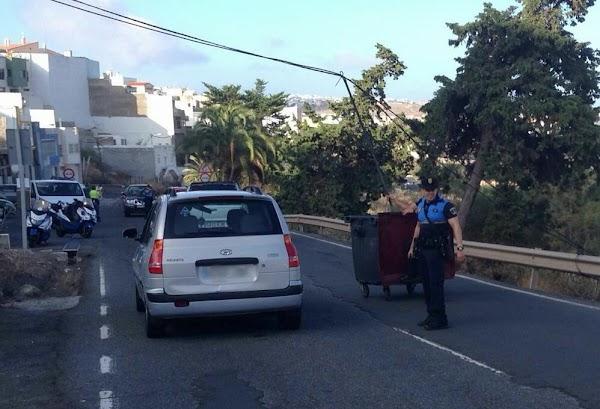 Un poste de alumbrado cae carretera San Lorenzo, Las Palmas de Gran Canaria