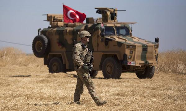 Συρία: Προ των πυλών η τουρκική εισβολή - Ξεκίνησαν οι βομβαρδισμοί θέσεων των Κούρδων