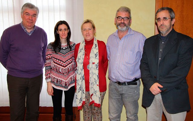 El alcalde de Illescas, Jose Manuel Tofiño, junto a los representantes de las entidades con las que firma convenios el consistorio illescano. IMAGEN COMUNICACION ILLESCAS