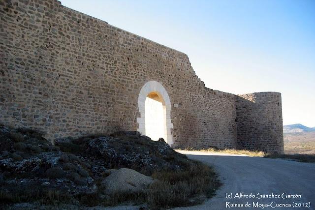 ruinas-moya-cuenca-puerta-calzadilla