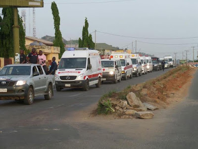 the motorcade carrying the 6 dead ekiti doctors arrives from kaduna