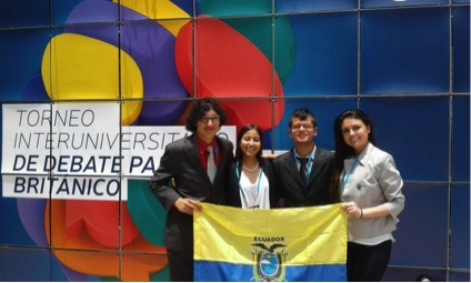 Miembros del Club de Debate de la USFQ participaron en el Torneo Interuniversitario de Debate en formato Parlamentario Británico
