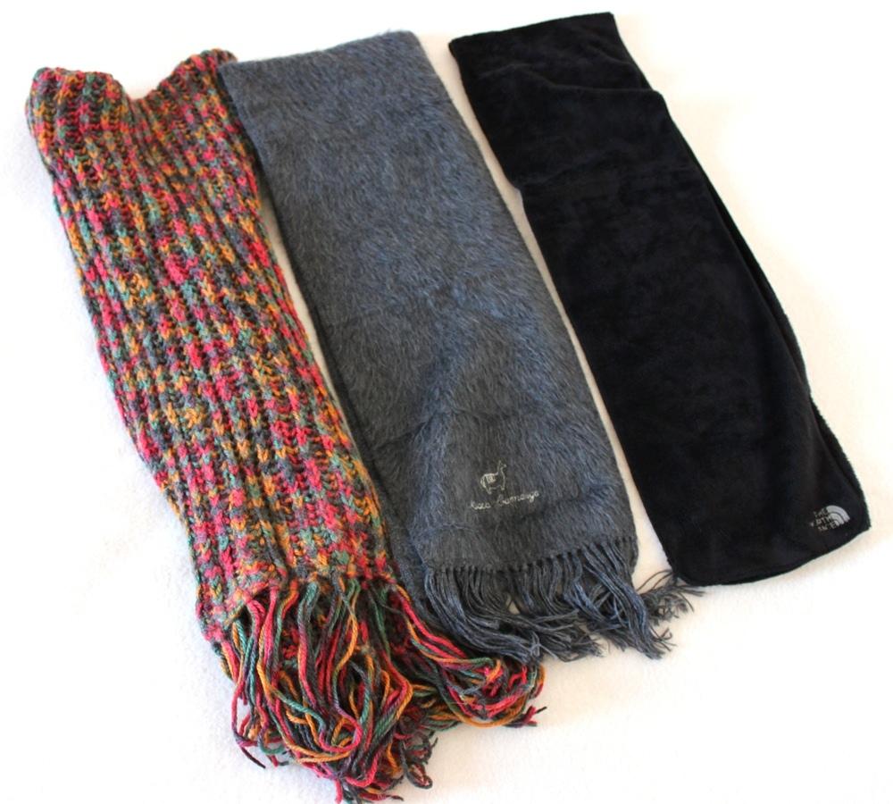 Cachecóis (lã de ovelha, lã de alpaca e fleece) e luvas (fleece e pele de  carneiro) f3127ee5d0