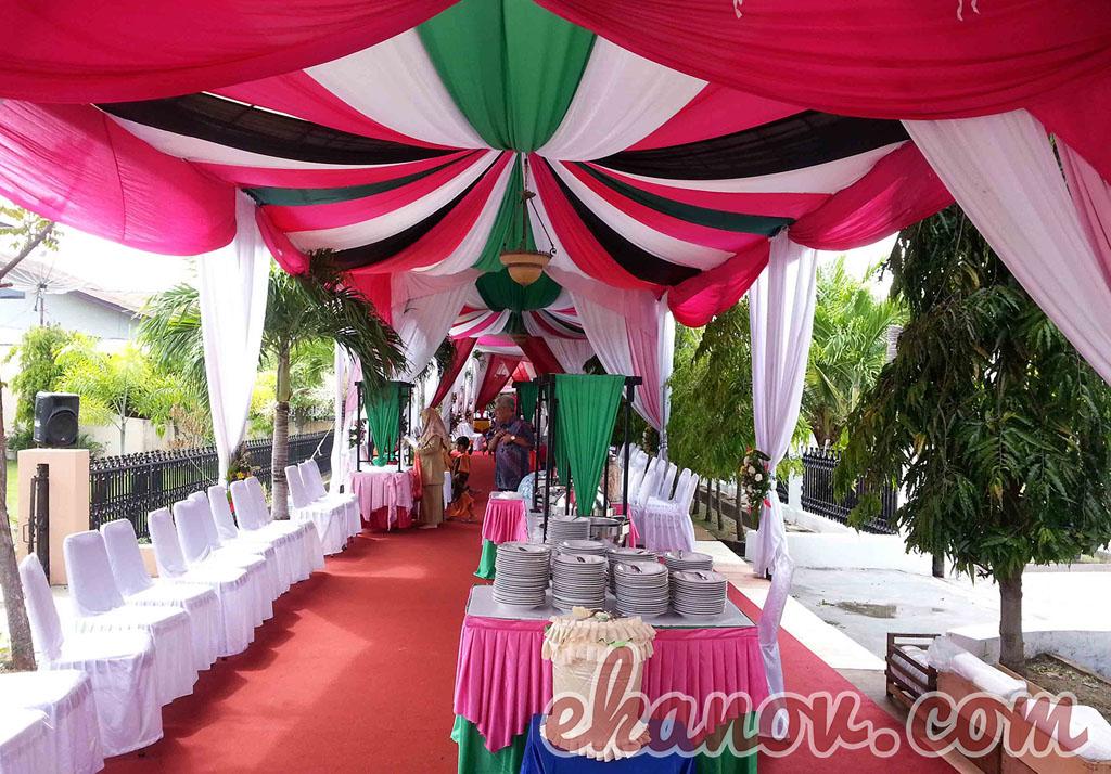 Tenda Pesta Pernikahan