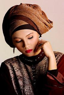 Desain Batik Modern Wanita Muslimah Terbaru