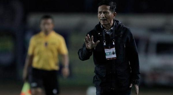 Kalah dari Bali United, Pelatih Persib Salahkan Wasit