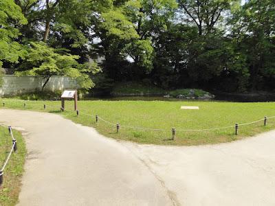 閑院宮邸跡(かんいんのみやていあと) 池