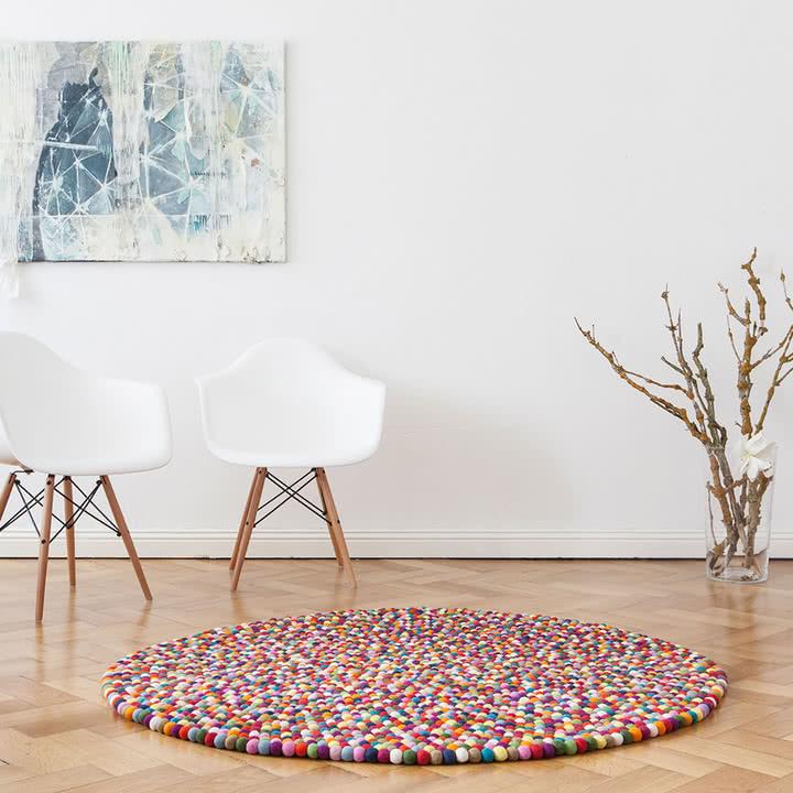 dywan okrągły z kuleczkami